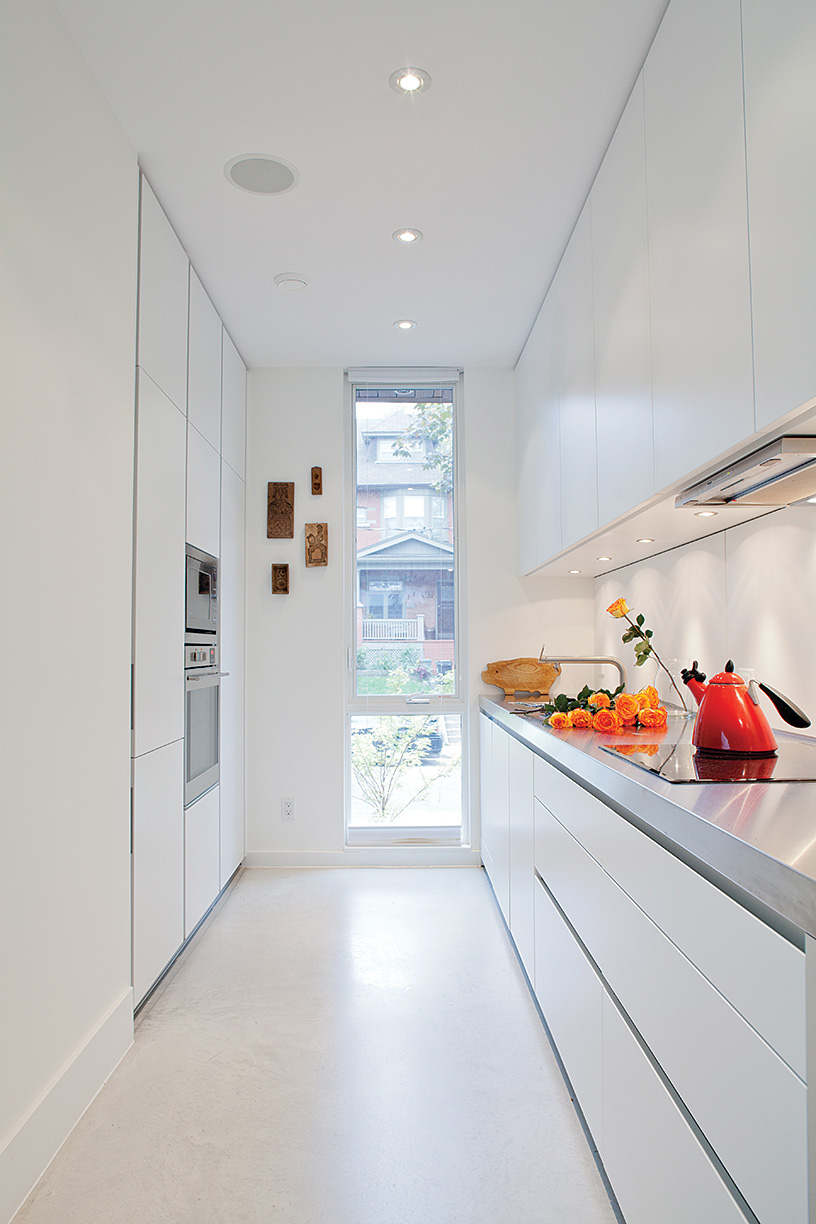 To maximize space, mother and daughter opted for Bulthaup's compact b1 system to create a sleek, galley-style kitchen.